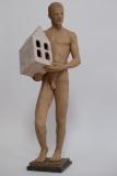 Home amb casa